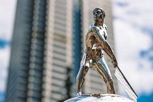 Borg-Warner-Trophy