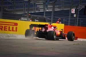 Charles Leclerc, Ferrari SF21, runs wide