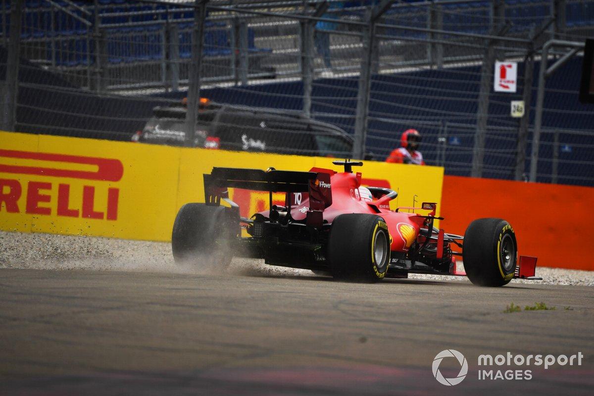 Charles Leclerc, Ferrari SF21, fuori pista