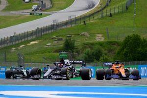 Yuki Tsunoda, AlphaTauri AT02, Daniel Ricciardo, McLaren MCL35M