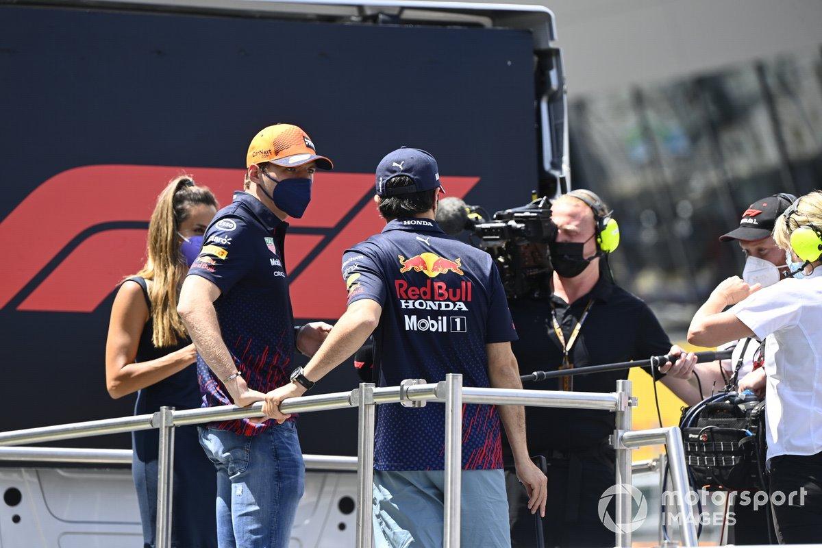 Max Verstappen, Red Bull Racing, Sergio Pérez, Red Bull Racing, en el desfile de pilotos