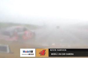 Le manque de visibilité illustré par la caméra embarquée de Kevin Harvick, Stewart-Haas Racing, Ford Mustang