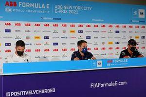 Edoardo Mortara, Venturi Racing, Robin Frijns, Envision Virgin Racing, Andre Lotterer, Tag Heuer Porsche, en la conferencia de prensa