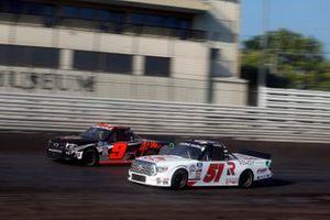 Brian Brown, Kyle Busch Motorsports, Toyota Tundra Casey's/Rowdy Energy, Codie Rohrbaugh, CR7 Motorsports, Chevrolet Silverado Grant County Mulch