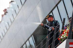 Valtteri Bottas, Mercedes, 2e plaats, op het podium