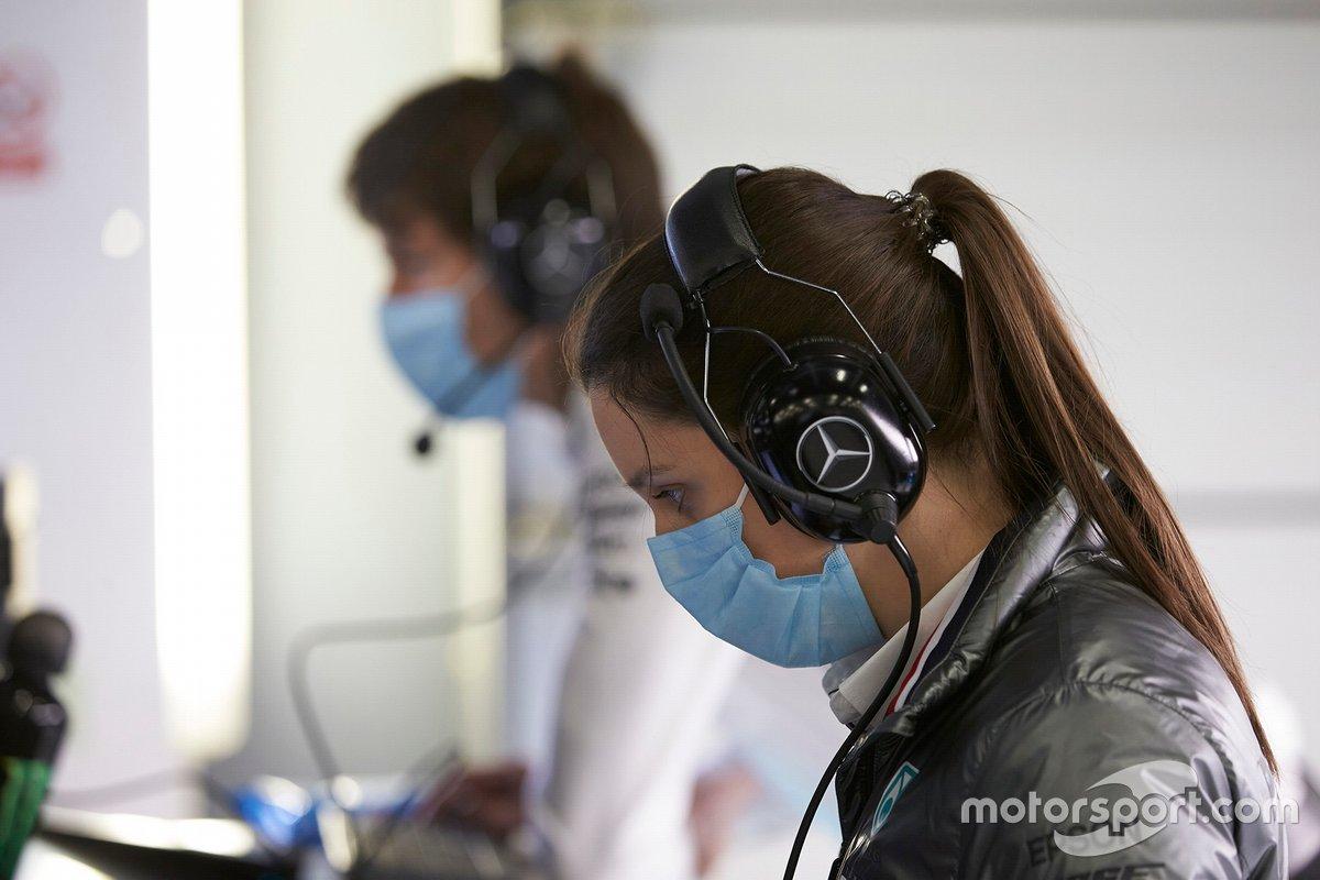 Mercedes F1 AMG team members