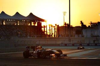 Sebastian Vettel, Red Bull Racing RB5 Renault, Mark Webber, Red Bull Racing RB5