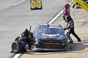 Joe Graf Jr, SS Green Light Racing, Chevrolet Camaro Bucked Up Energy pit stop