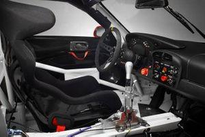 2004 Porsche 911 GT3 RSR steering wheel