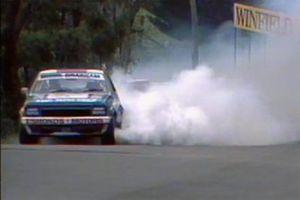 #17 Esmonds Motors Holden Torana L34: Stirling Moss, Jack Brabham