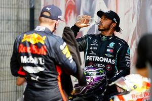 Max Verstappen, Red Bull Racing, et Lewis Hamilton, Mercedes AMG F1