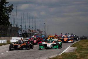 Patricio O'Ward, Arrow McLaren SP Chevrolet, Colton Herta, Andretti Harding Steinbrenner Autosport Honda, start