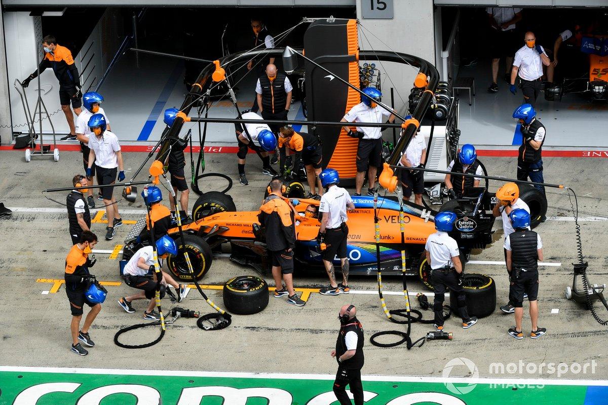 McLaren practica pitstops