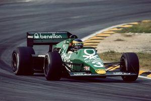 Микеле Альборето, Tyrrell 011 Ford