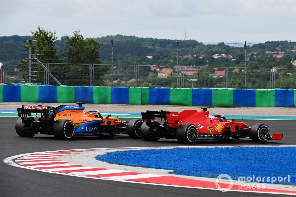 Sebastian Vettel, Ferrari SF1000, precede Carlos Sainz Jr., McLaren MCL35