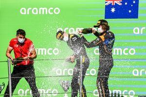 Il vincitore della gara Oscar Piastri, Prema Racing e Alexander Peroni, Campos Racing on the podium