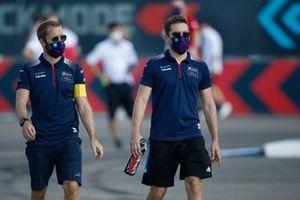 Sam Bird, Virgin Racing, Robin Frijns, Virgin Racing in pista