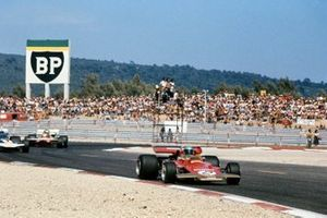 Reine Wisell, Lotus 72C Ford, Rolf Stommelen, Surtees TS9 Ford, Henri Pescarolo, March 711 Ford, GP di Francia del 1971
