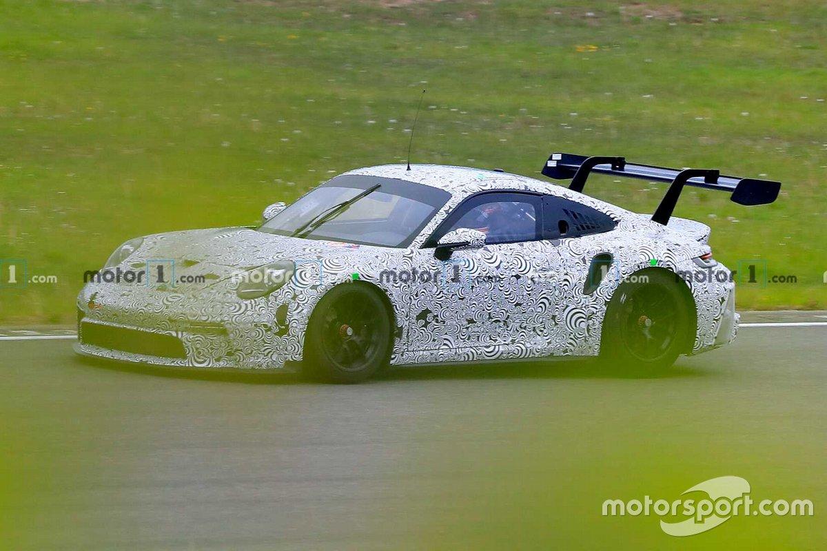 Шпионский снимок Porsche 911 GT3 Cup