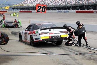 Harrison Burton, Joe Gibbs Racing, Toyota Supra, pitstop