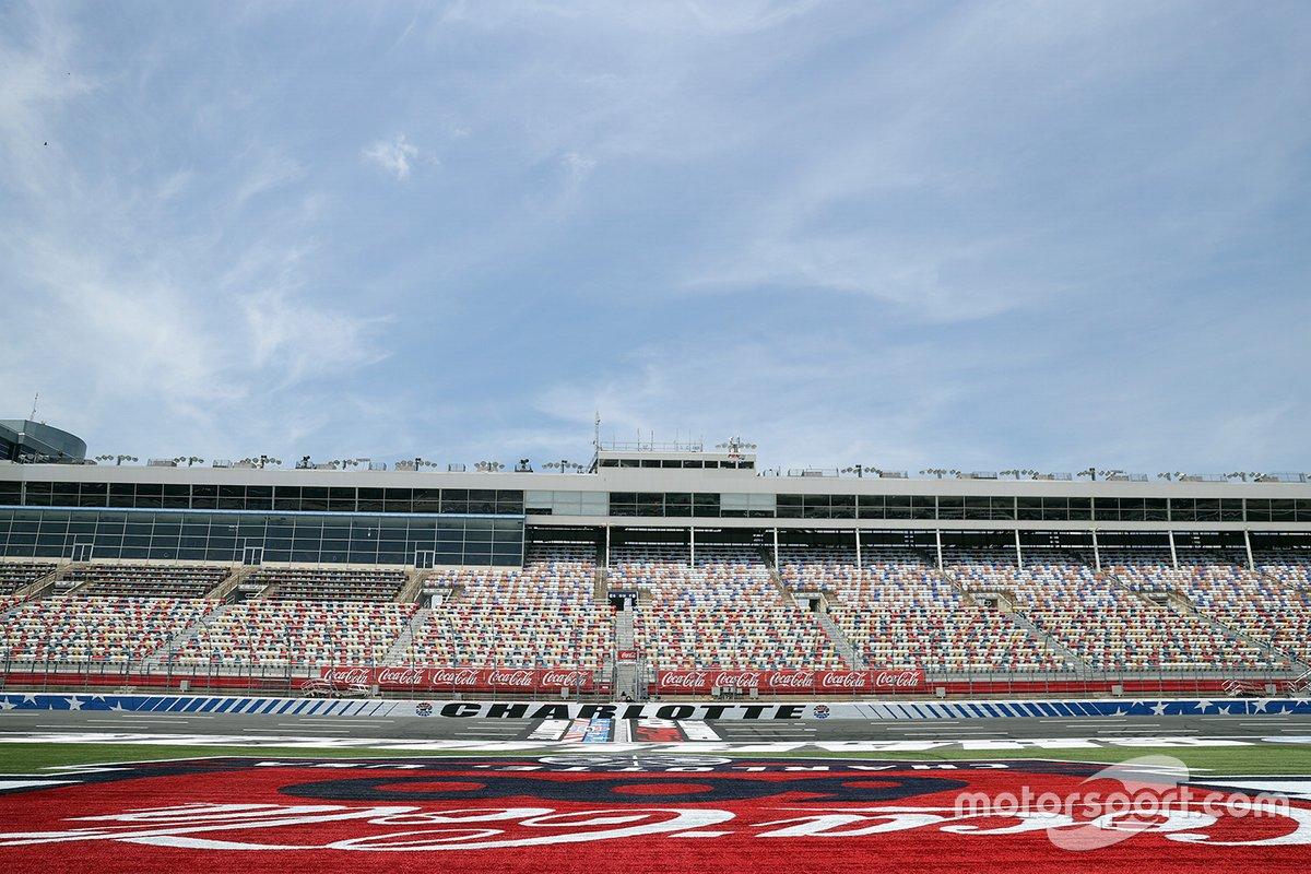 Una vista general de las gradas antes de la NASCAR Cup Series Coca-Cola 600
