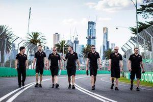 Romain Grosjean, Haas F1 Team walks the track with members of tehe team including Ayao Komatsu, Chief Race Engineer, Haas F1