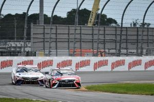 Kyle Busch, Joe Gibbs Racing, Toyota Camry Snickers, Denny Hamlin, Joe Gibbs Racing, Toyota Camry FedEx Freight