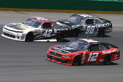 Tyler Reddick, Chip Ganassi Racing Chevrolet, Ryan Blaney, Team Penske Ford, Casey Mears, Biagi-DenB