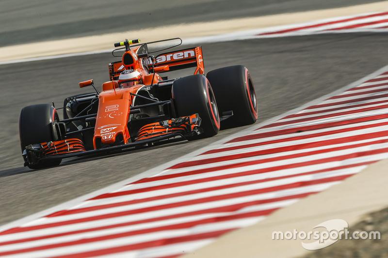 17: Стоффель Вандорн, McLaren MCL32