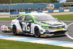 Jake Hill, Tony Gilham Racing Volkswagen CC, crash