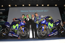 Maverick Viñales, Yamaha Factory Racing; Lin Jarvis, Renndirektor; Massimo Meregalli, Teamdirektor;