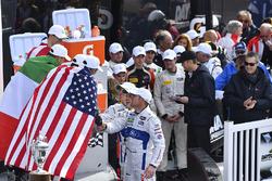 Podium : les vainqueurs Ricky Taylor, Jordan Taylor, Max Angelelli, Jeff Gordon, Wayne Taylor Racing et les vainqueurs en GTLM Joey Hand, Dirk Müller, Sébastien Bourdais, Ford Performance Chip Ganassi Racing
