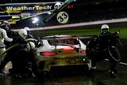 Pit stop, #33 Riley Motorsports Mercedes AMG GT3: Jeroen Bleekemolen, Ben Keating, Mario Farnbacher,