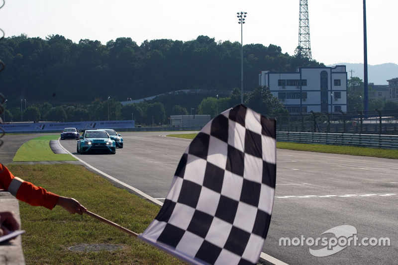 Checkered Flag VW >> Checkered Flag For Jean Karl Vernay Leopard Racing Team Wrt