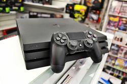 PS4 Pro-05