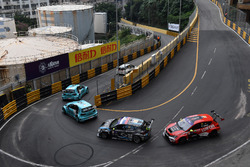 Race action with Stefano Comini, Leopard Racing, Volkswagen Golf GTI TCR, Jean-Karl Vernay, Leopard Racing, Volkswagen Golf GTI TCR; Dusan Borkovic, B3 Racing Team, SEAT León SEQ; Pepe Oriola, Craft Bamboo Racing, SEAT León SEQ