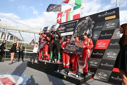 Pro Am Cup: Les vainqueurs #97 Oman Racing Team with TF Sport, Aston Martin V12 GT3: Ahmad Al Harthy, Jonny Adam, les deuxièmes #888 Kessel Racing, Ferrari 488 GT3: Jacques Duyvier, Zanuttini, David Perell, les troisièmes #53 Spirit Of Race, Ferrari 488 GT3: Niek Hommerson, Louis Machiels, Andrea Bertolini(BEL) ANDREA BERTOLINI (ITA) THIRD IN PRO AM CUP