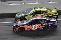 Denny Hamlin, Joe Gibbs Racing Toyota, Paul Menard, Richard Childress Racing Chevrolet