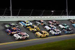 Erik Jones, Furniture Row Racing Toyota, Denny Hamlin, Joe Gibbs Racing Toyota, Kurt Busch, Stewart-