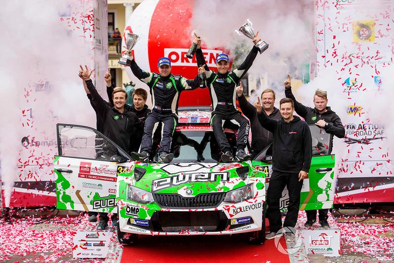 Podio WRC2: Ole Christian Veiby, Stig Rune Skjaermoen, Skoda Fabia R5