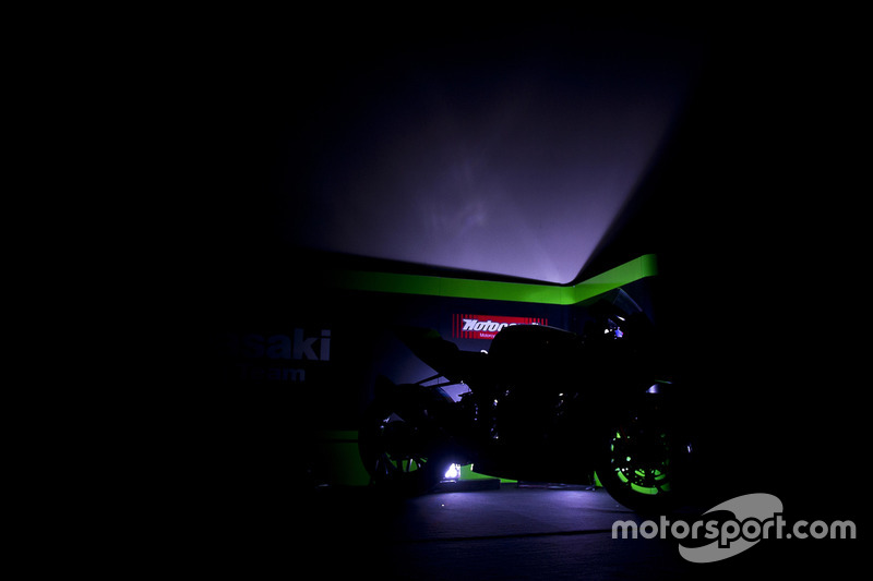 Présentation de la Kawasaki Racing Team Ninja ZX-10RR