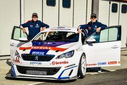 Stefano Accorsi con la Peugeot 308 Racing Cup