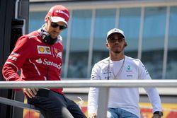 Sebastian Vettel, Ferrari, Lewis Hamilton, Mercedes AMG F1