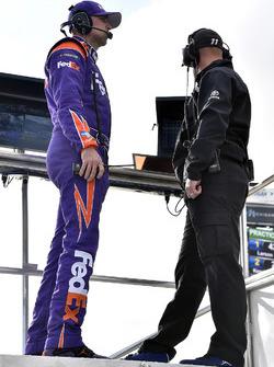 Denny Hamlin, Joe Gibbs Racing Toyota, mit Crewchief Mike Wheeler
