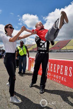 Kyle Busch, Kyle Busch Motorsports Toyota, mit Sohn Brexton