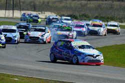 Inicio Fernando Etchegorry, Renault Clio Mío lidera el grupo