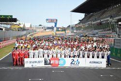 Gruppenfoto: Alle Fahrer für die 24h Le Mans 2017