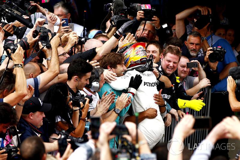Lewis Hamilton, Mercedes AMG F1 en parc ferme