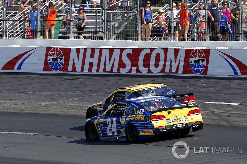 Chase Elliott, Hendrick Motorsports Chevrolet, Jamie McMurray, Chip Ganassi Racing Chevrolet