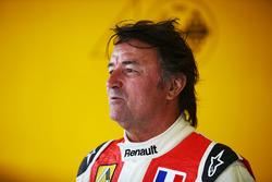 Рене Арну, Renault Sport F1 Team